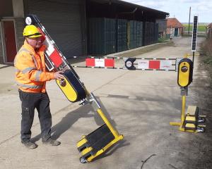 Wheel-e-Gate mobile barrier